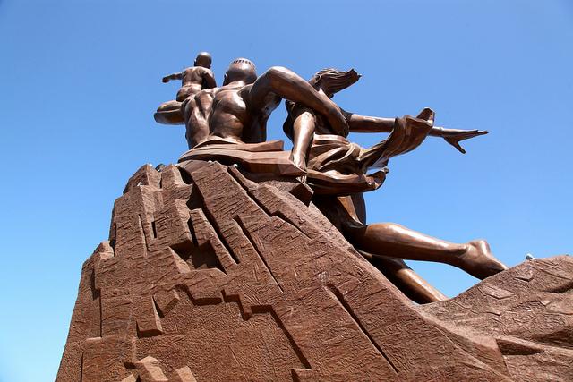 Monumento al Renacimiento Africano - Dakar, Senegal, África - 06