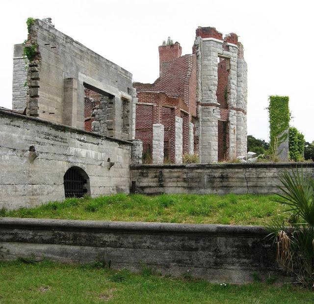 Muros derruidos de Dungeness