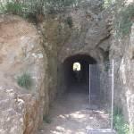 Pont du Gard - path up - tunnel