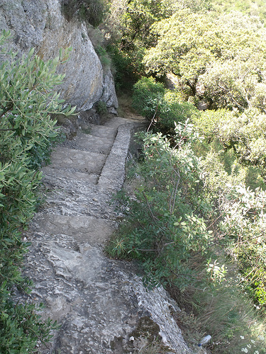 Pont du Gard - steps down
