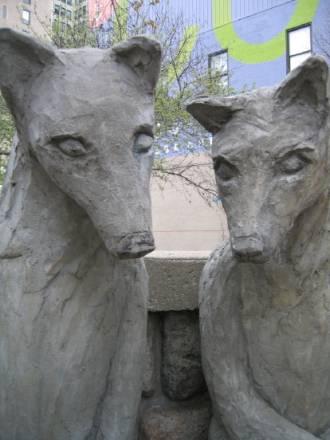 Los Lobos De Livonia En El Muro De Salto