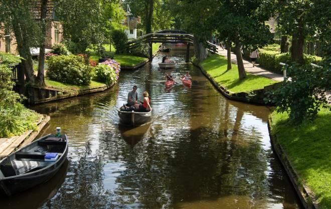 Giethoorn: Un Mágico Pueblo Sin Carreteras