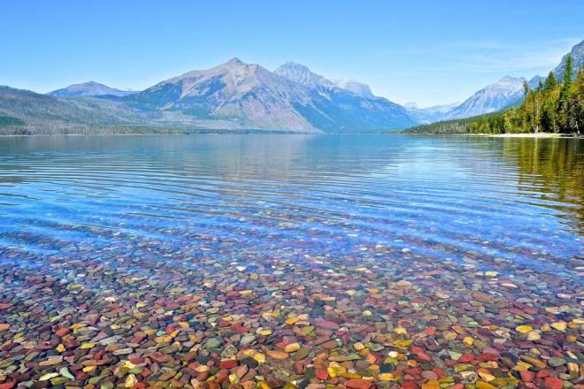 Las piedras de colores del lago McDonald