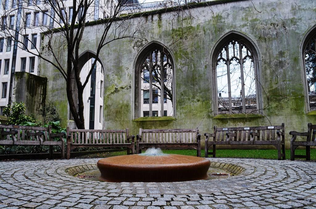 San Dunstan: Iglesia bombardeada en Londres