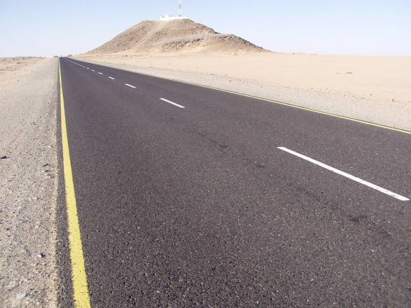 Road to Rub' al Khali