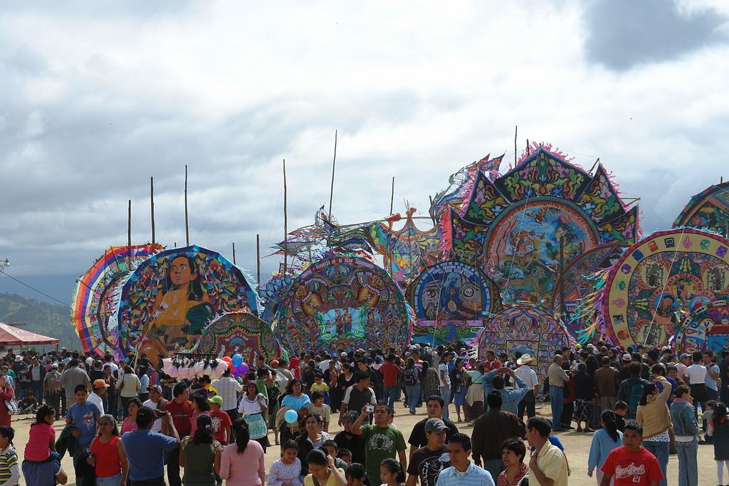 Festival de cometas gigantes en Guatemala - Los Barrieletes