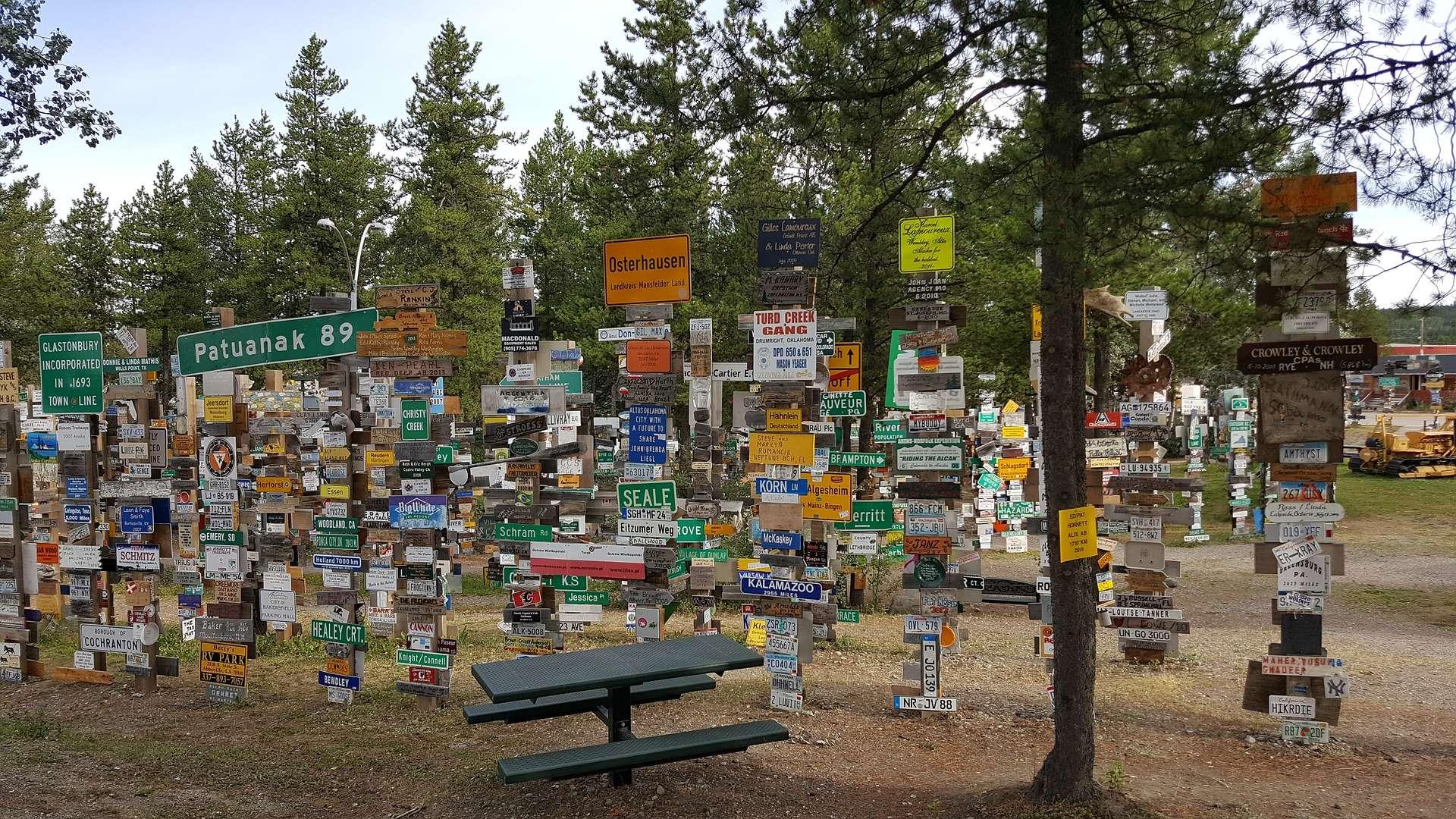 El Bosque de Señales de Watson Lake, Canadá