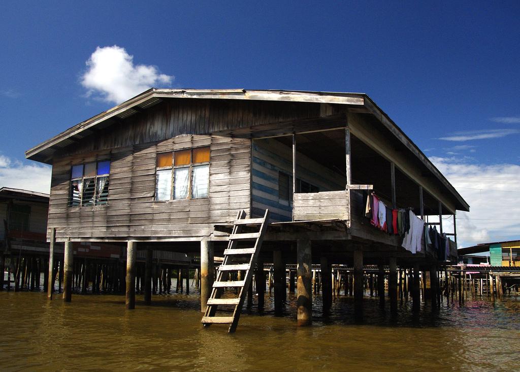 Kampong Ayer el pueblo acuático del río Brunei