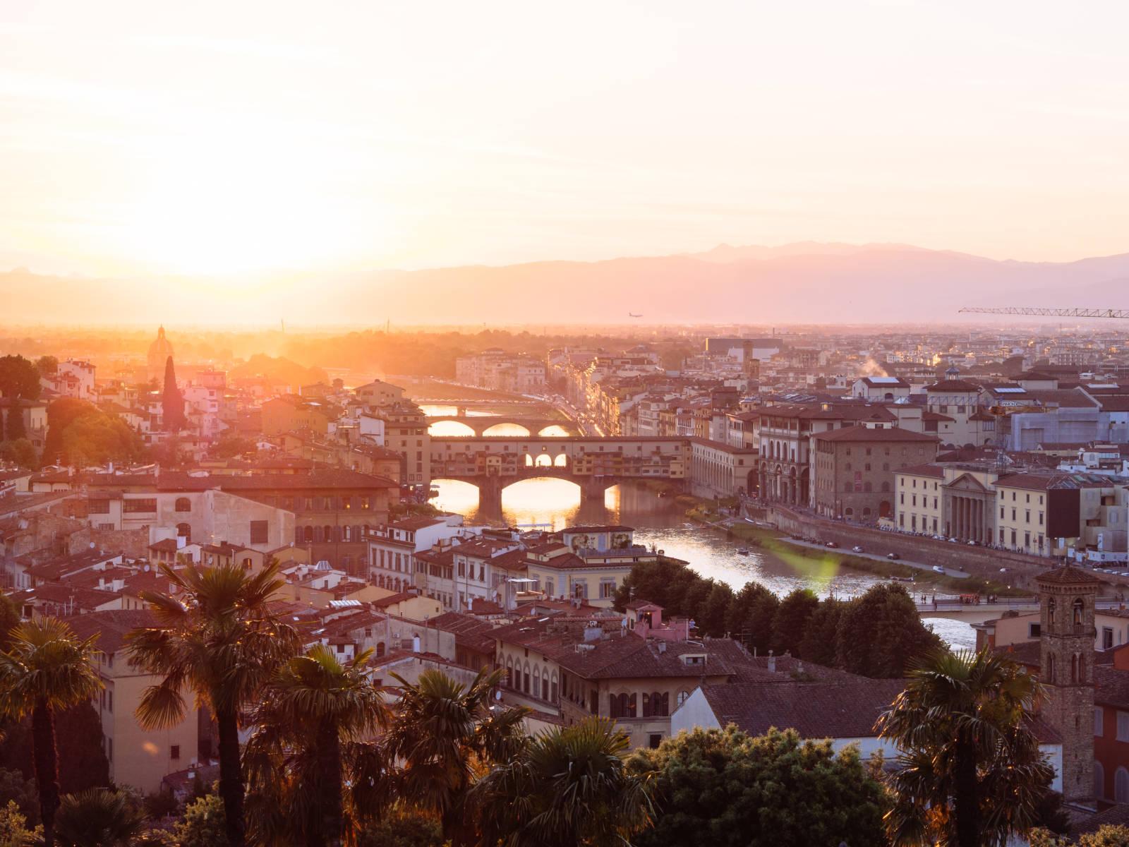 Ponte Vecchio: un puente medieval de Tiendas
