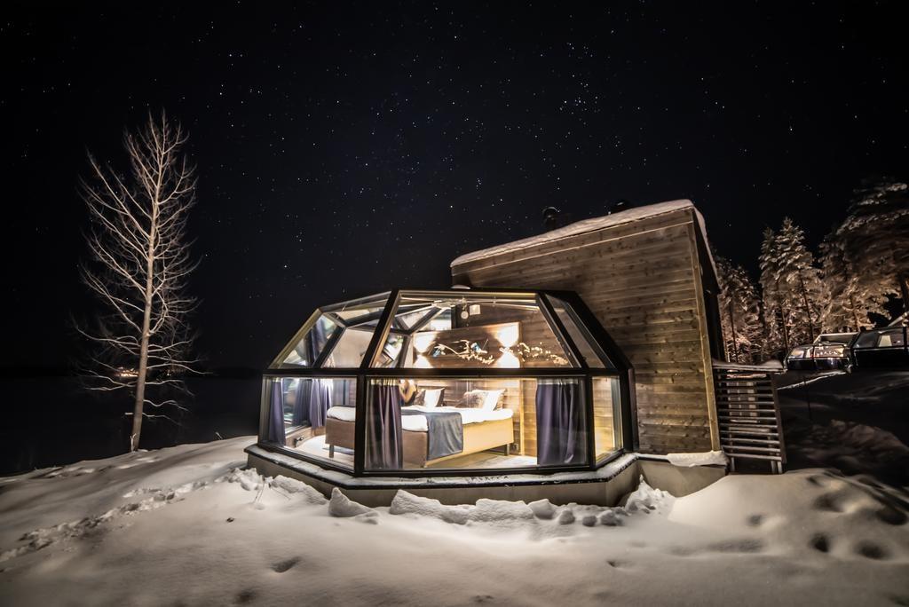 Disfruta del paisaje nocturno de Finlandia mientras duermes