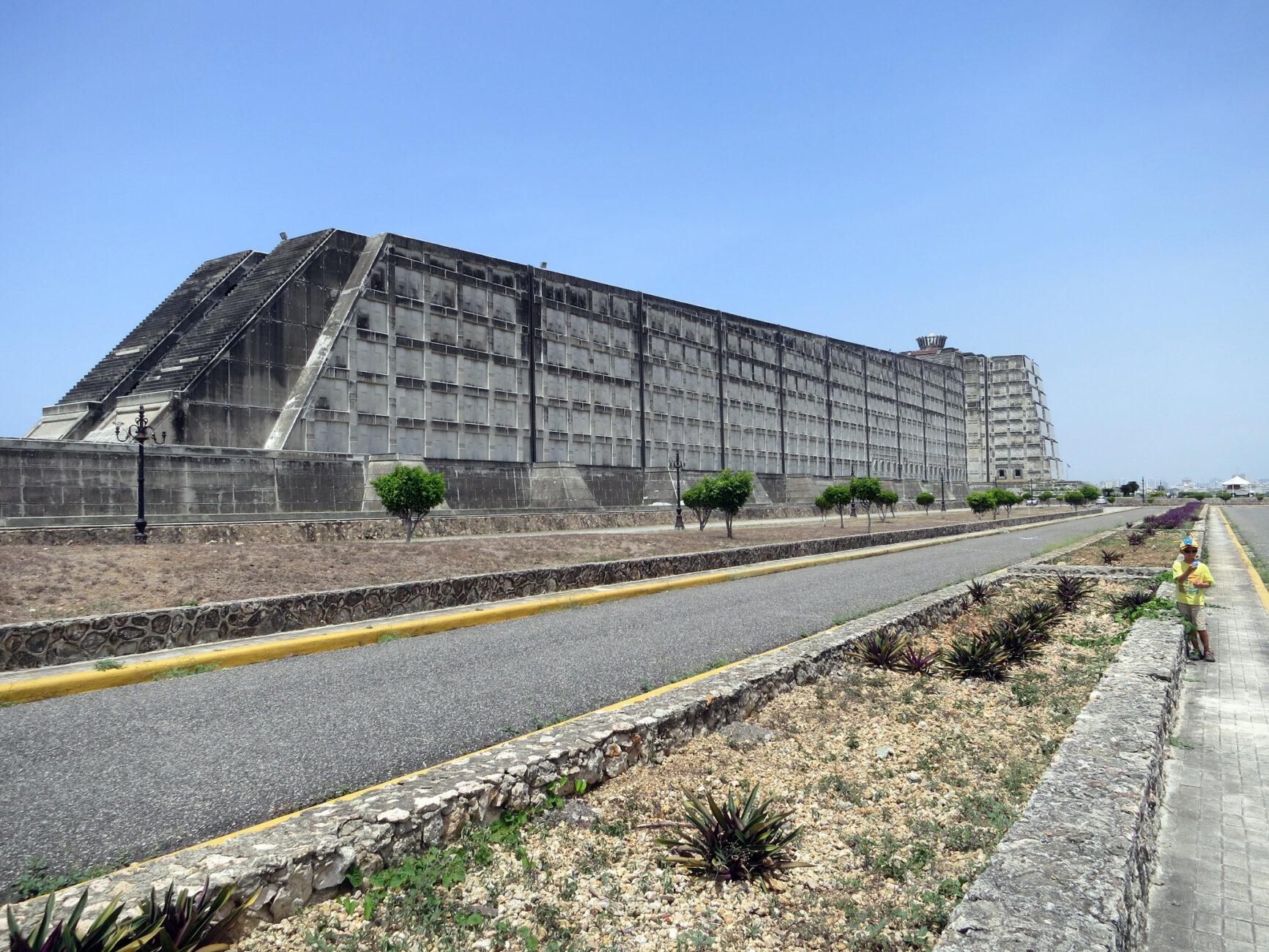 Faro a Colón en la República Dominicana 3