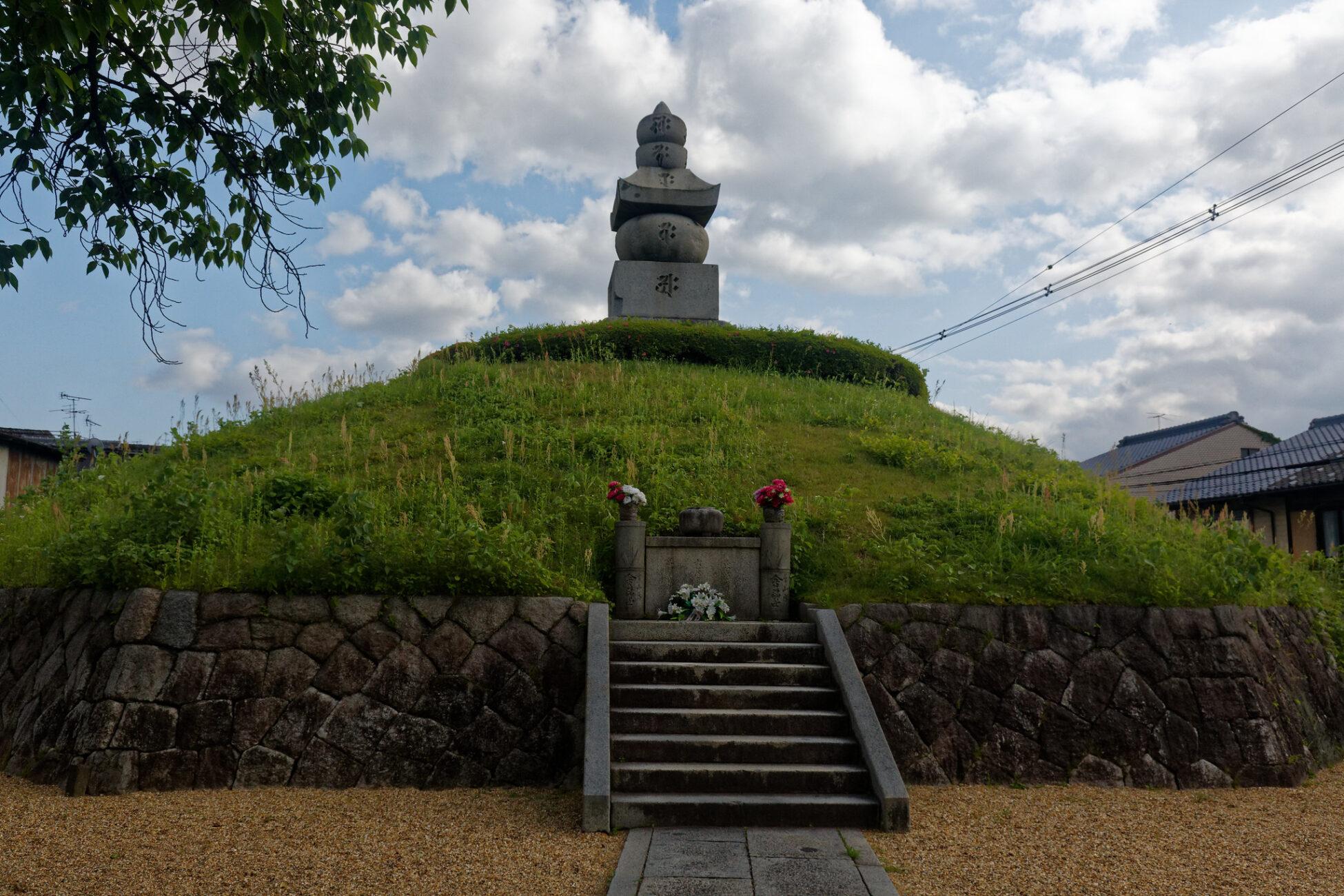 Mimizuka: El lugar de enterramiento de miles de narices 6