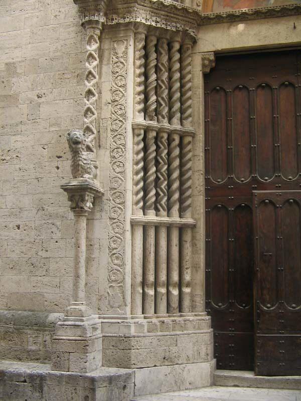 Pilares musicales de la Basílica de San Francisco, Ascoli Piceno, Italia 2