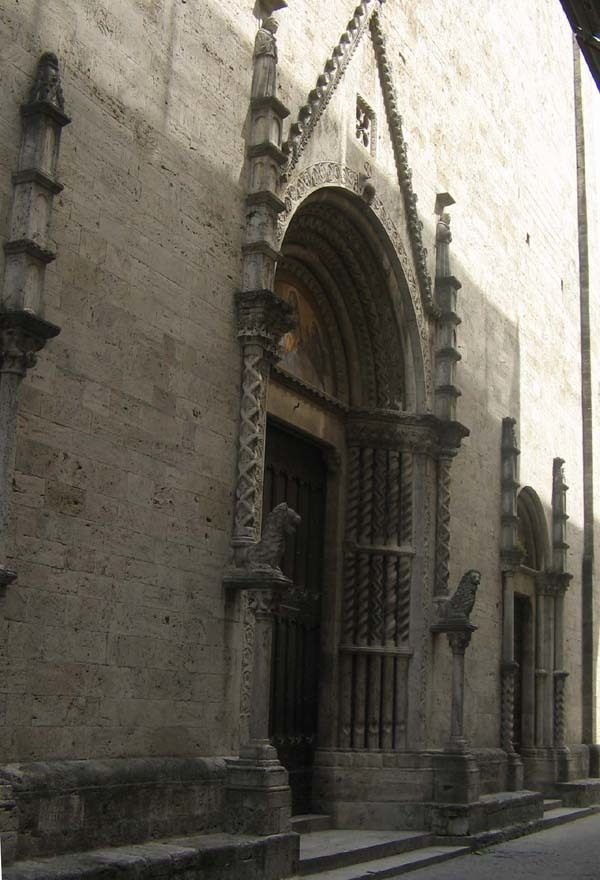 Pilares musicales de la Basílica de San Francisco, Ascoli Piceno, Italia 3