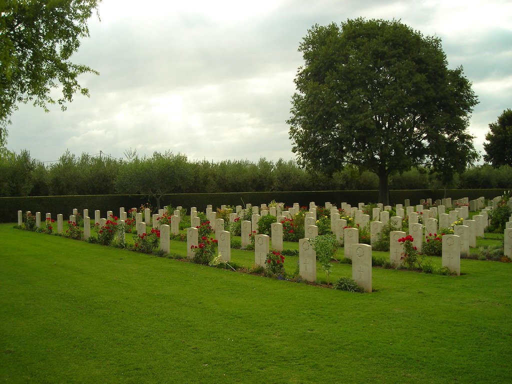Moro River Canadian War Cemetery photo