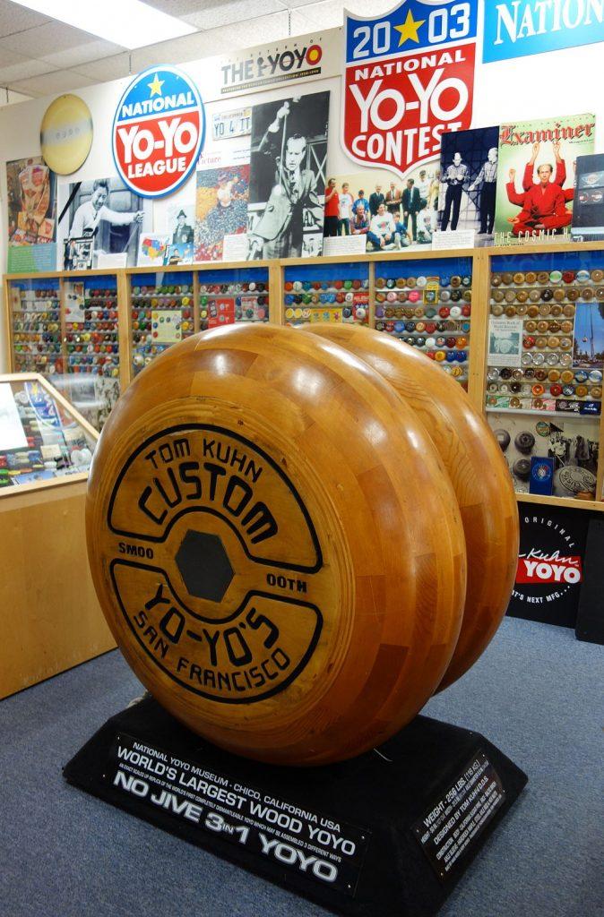 Museo Nacional del Yo-Yo con el yo-yo de madera más grande del mundo 1