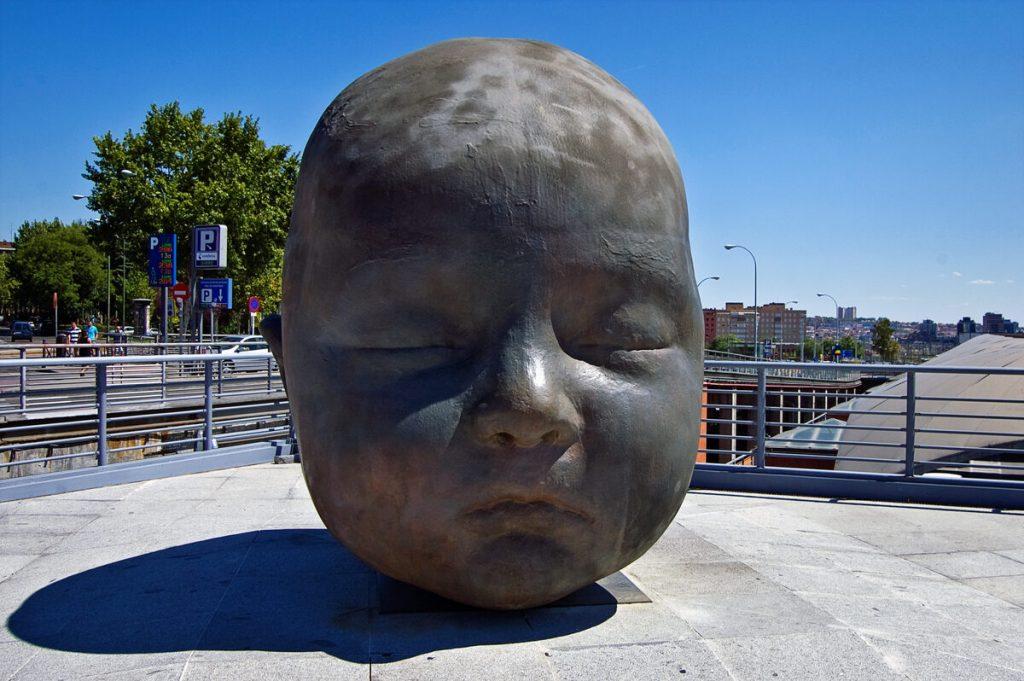 """Estatuas """"Día y Noche"""", Madrid, España 3"""